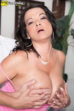 1990s big-tit star Betty Bosoms rides another time!