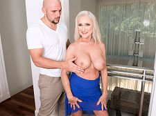 Katia meets JMac, the video